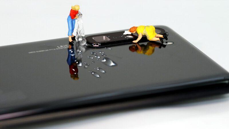 6 วิธีทำความสะอาดโทรศัพท์มือถือ เรื่องใกล้มือที่ควรทำ ท่ามกลาง COVID-19